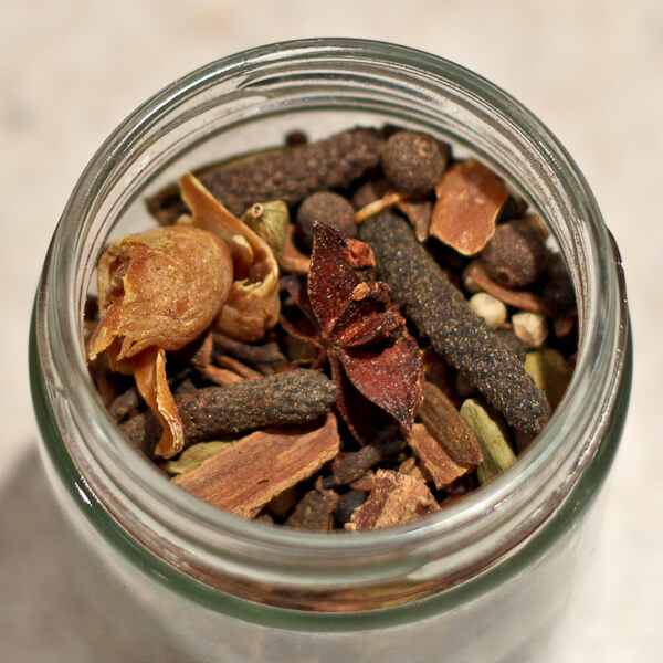 Whole spice ras el hanout