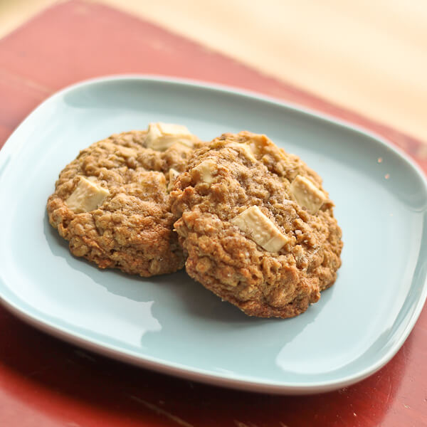 Salted Vanilla Oatmeal Cookies with white chocolate chunks